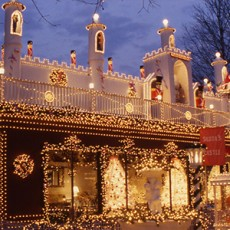 Things to do in Leominster-Lancaster, MA for Kids: ZooLights, Stone Zoo