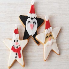 Kids' Decorating Holiday Cookies